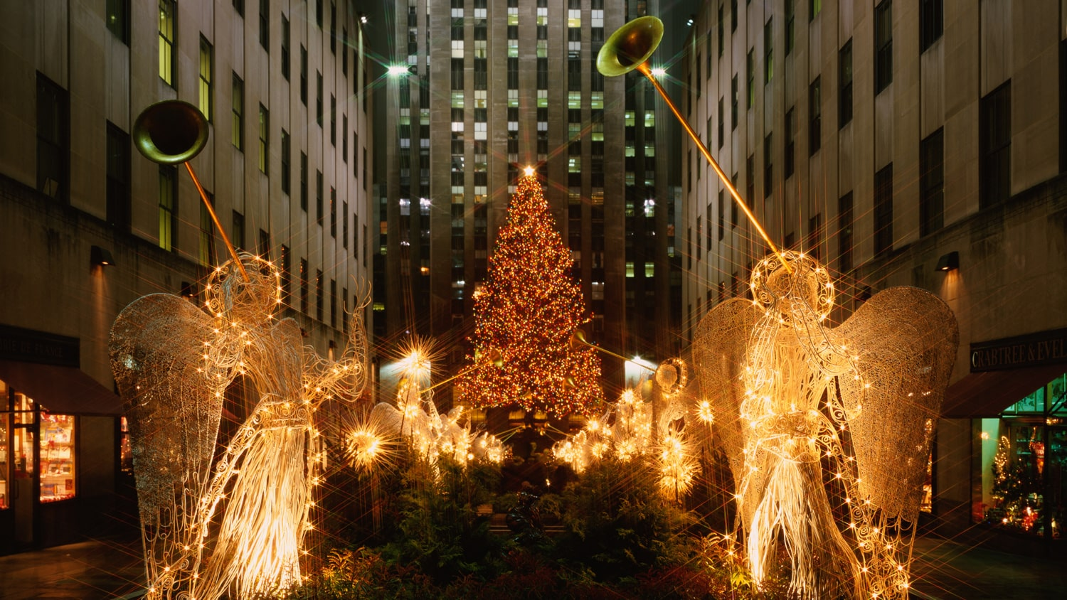 Where To Catch The Holiday Spirit In New York City
