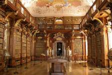 7 of the World's Most Stunning Libraries