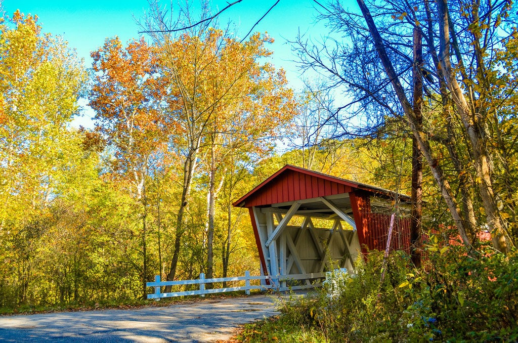Fall is a great time to travel to a national park— summer travel season has come to an end, the kids are back in school and you'll typically find great travel deals reflecting that (link to Sam's article on that). Not sure which parks are ideal for fall travel? Read on!